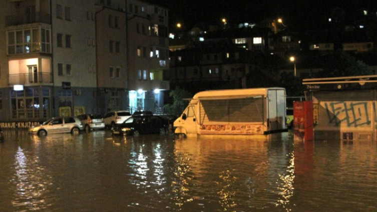 Poplavljene ulice u Tuzli
