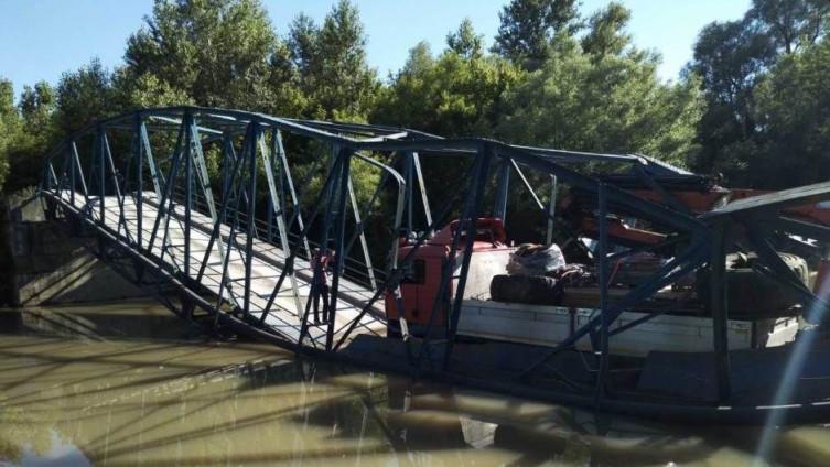 Urušen most