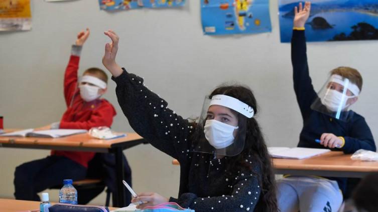 Hoće li djeca u učionicama biti s maskama i vizirima