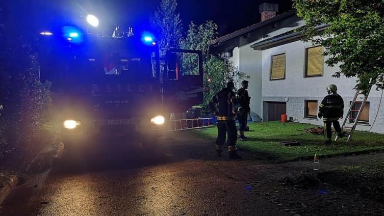 Vatrogasci zatrpani pozivima za pomoć