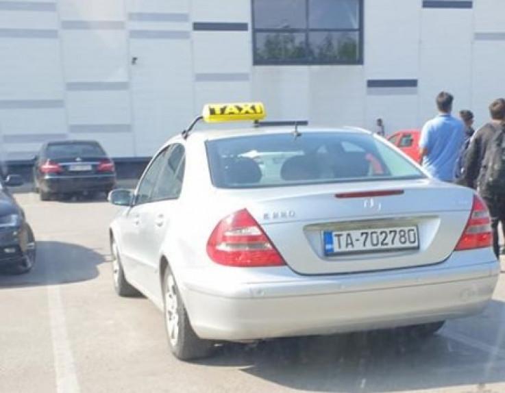 Taksista dovezao migrante
