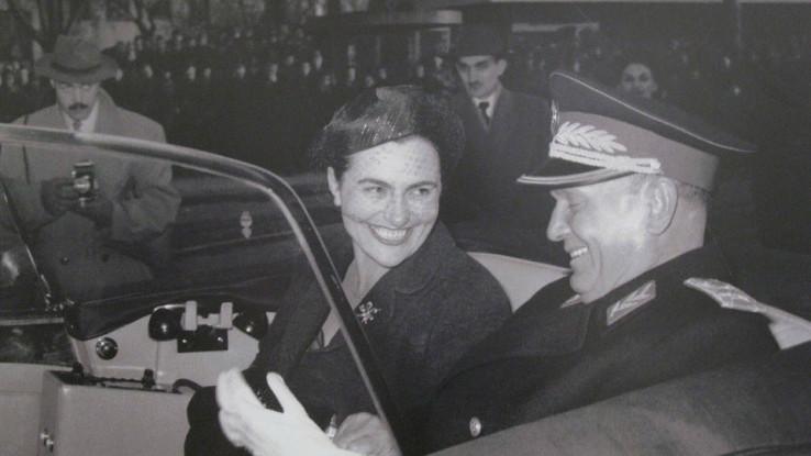 U knjizi je, recimo, detaljno elaborirana navodna ljubavno politička veza Jovanke Broz i generala Đoke Jovanića