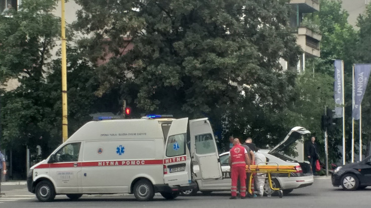 Hitna pomoć i policija na mjestu nesreće