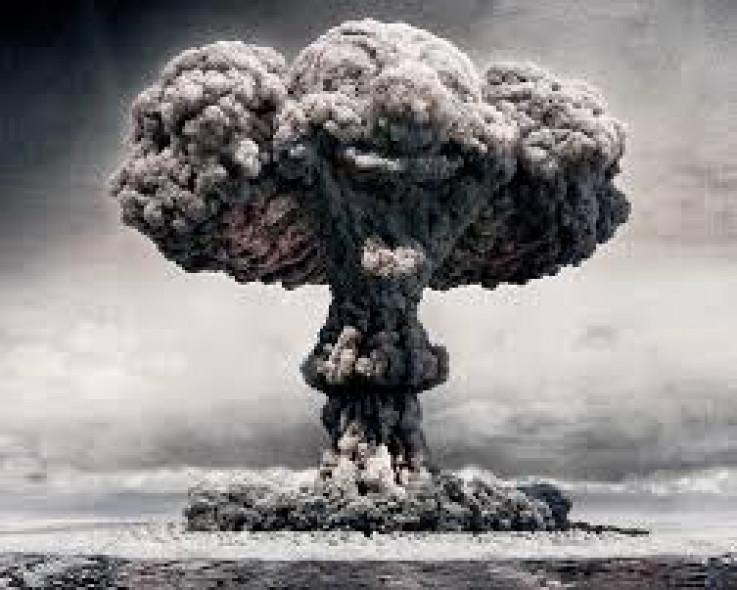 Nebo je bilo vedro kada je u 8:15 sati američki bombarder B-29 Enola Gay bacio atomsku bombu Little Boy