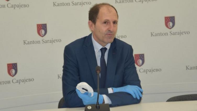 Nenadić je smješten na Klinički centar Univerziteta u Sarajevu