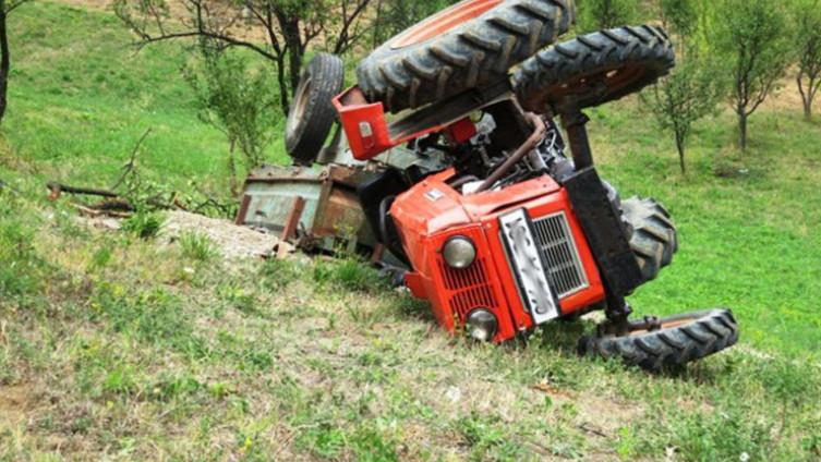 Traktor se prevrnuo u mjestu Čemerno