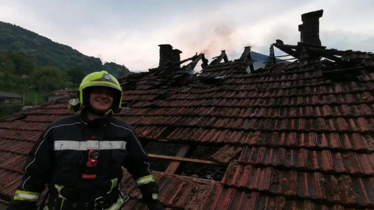 Gorio krov na kući