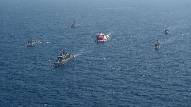 Turski vojni brodovi u blizini Antalije