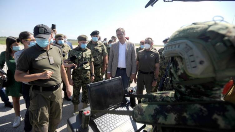 Aleksandar Vučić i Vojska Srbije