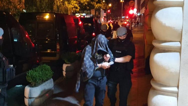 Privođenje policajaca u Tužilaštvo