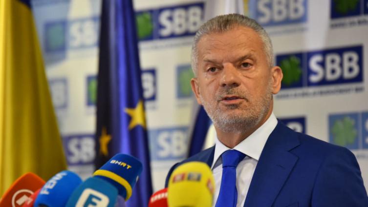 Radončić: Propagandni centar iz Sarajeva se grubo umiješao u izbore u Crnoj Gori na strani malignog ruskog utjecaja!