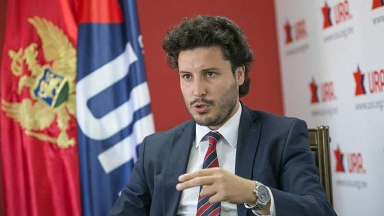 Ko je Dritan Abazović, sarajevski student koji je osvojio četiri mandata u  parlamentu Crne Gore