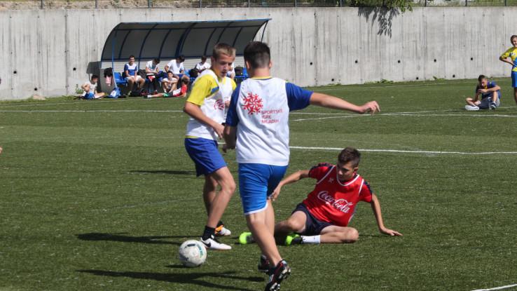 Šest ekipa se takmičilo u malom nogometu