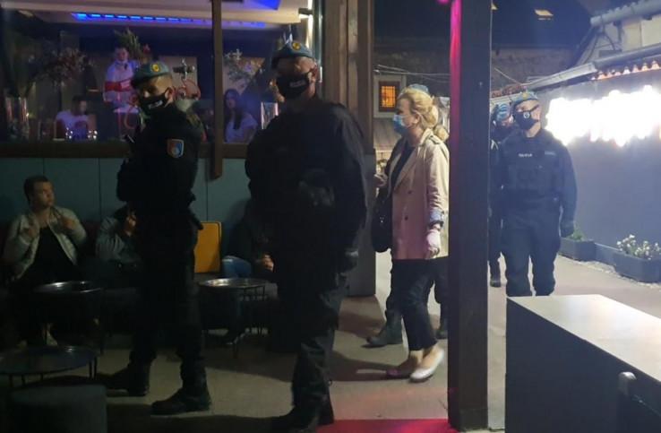 Policija i inspektori na terenu