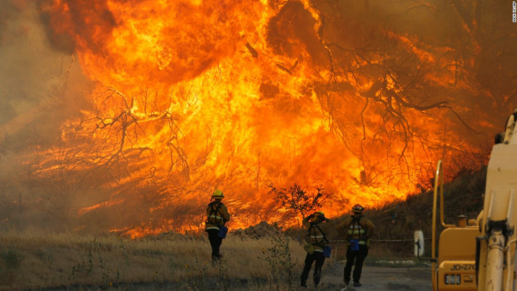 Kalifornija: Speljena površina od 18.210 hektara