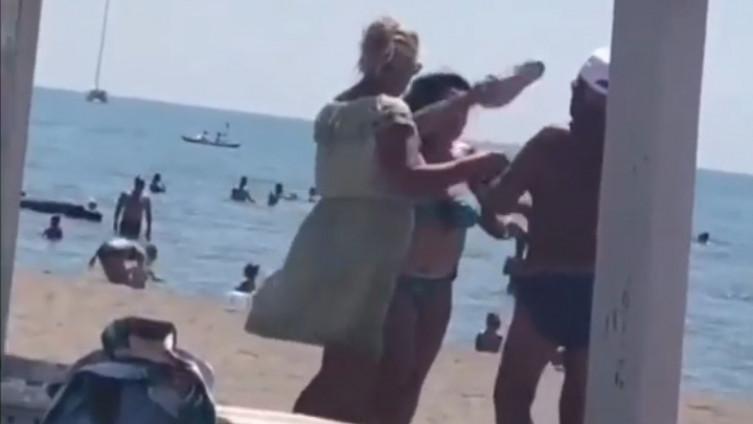 Žena mu uzvratila udarcima papučom