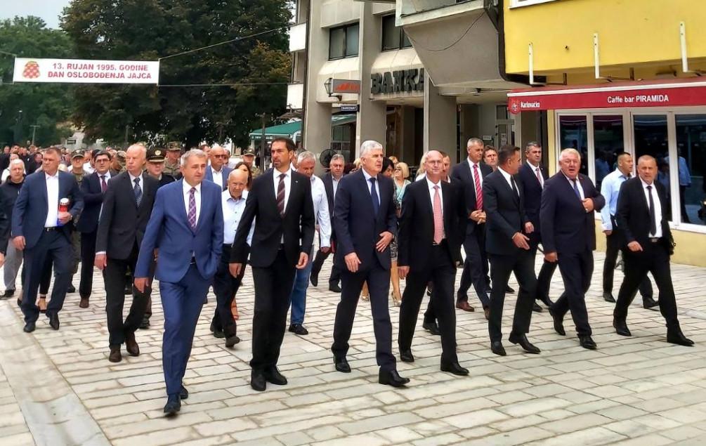 Čović s delegacijom na obilježavanju 25. godišnjice oslobođenja Jajca