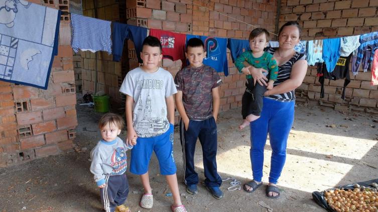 Porodica Jamaković preživljava od nadnice