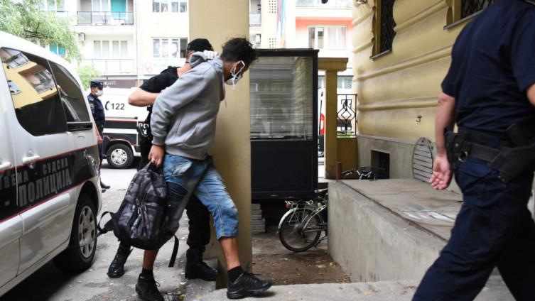 Policija privela Alžirce