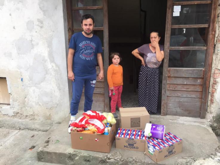 Pomoć porodici stiže sa svih strana