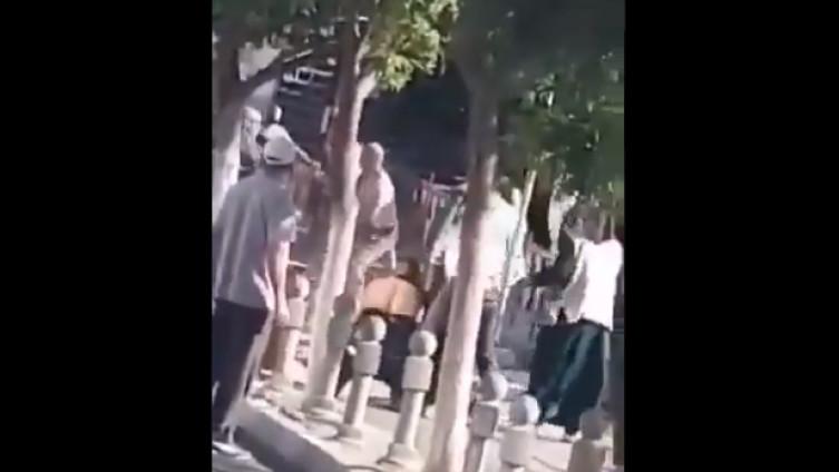Masovna tučnjava ispred sudnice