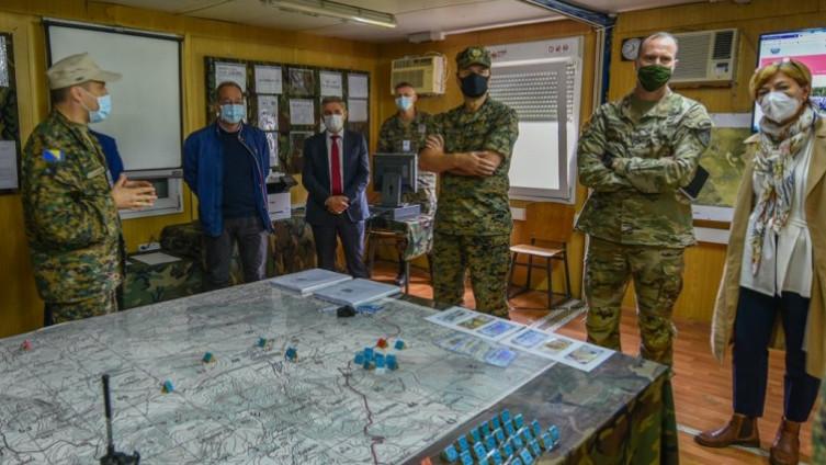 Zvaničnici MOBiH, OSBiH i NATO štaba Sarajevo pratili vježbu na Manjači