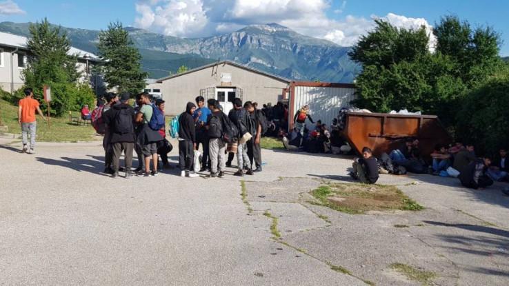 Migranti se kreću ka EU, ali se usput zadržavaju i prave kampove
