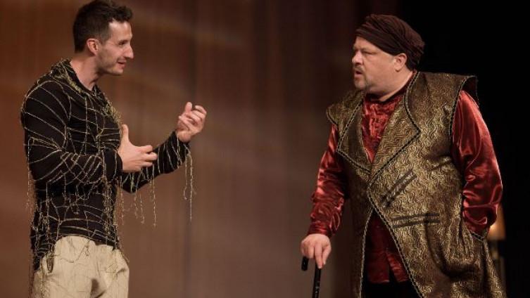 Đekić i Pavlović tokom izvođenja predstave