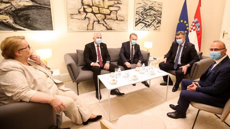 Sa sastanka