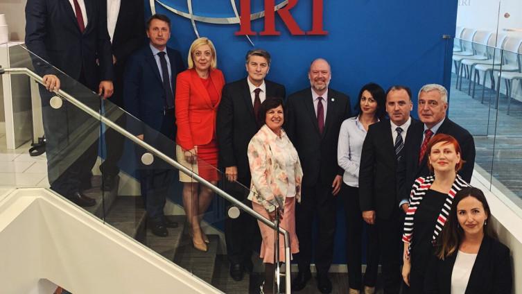 Zastupnici i zastupnice Parlamentarne skupštine BiH, okupljeni oko Kluba za evropske integracije i sigurnost