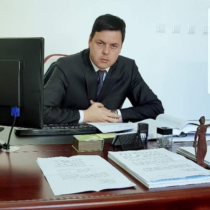Advokat Bakir Hećimović