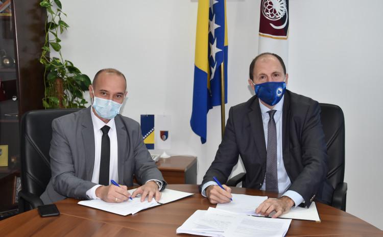 Nenadić i Ahmetspahić potpisuju sporazum