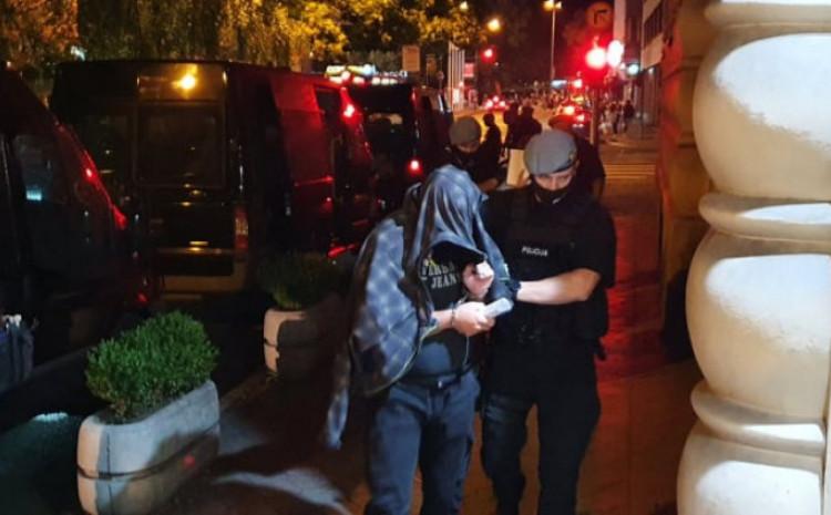 U avgustu pritvoreno 17 policajaca