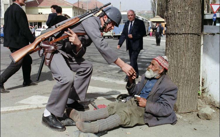 Slika iz Prištine aprila 1989. godine