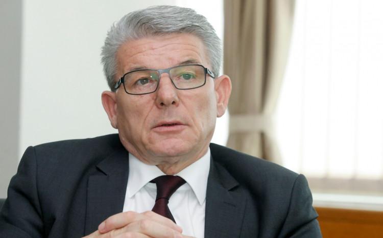 Džaferović: Testirao se nakon što je utvrđeno da je ministar sigurnosti Selmo Cikotić pozitivan na koronavirus
