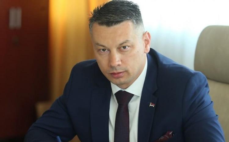 Nešić: Nije direktno odgovorio kako će glasati njihovi poslanici u parlamentu RS