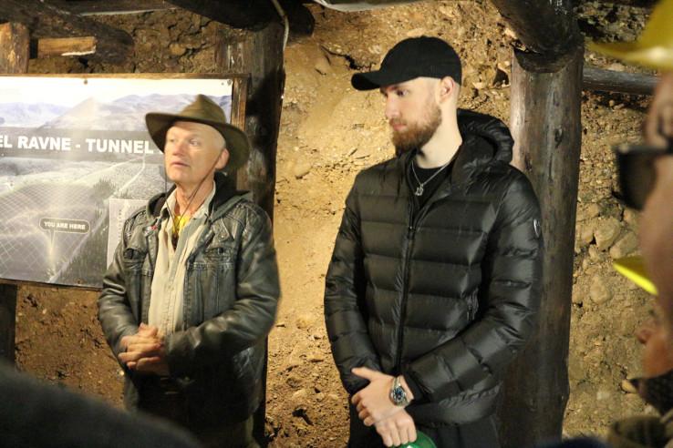 Osmanagić i Musa u tunelu Ravne