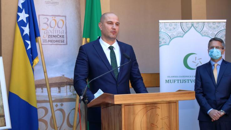 BH Pošta promovisala poštansku marku posvećenu 300. godišnjici Sultan-Ahmedove medrese u Zenici