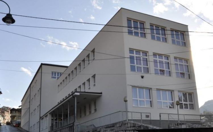 """OŠ """"Hamdija Kreševljaković"""": Nastavnica se dobro osjeća"""
