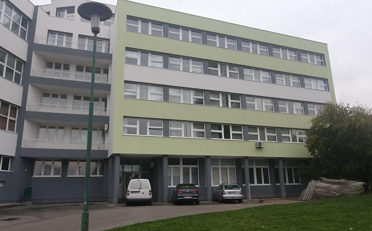 Zgrada đačkog doma ŽIŠ-a pored objekta Elektrotehničke škole