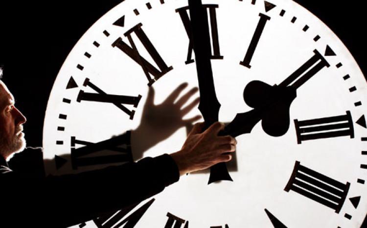 Većina evropskih zemalja i skoro cijela Sjeverna Amerika pomiču sat dva puta godišnje