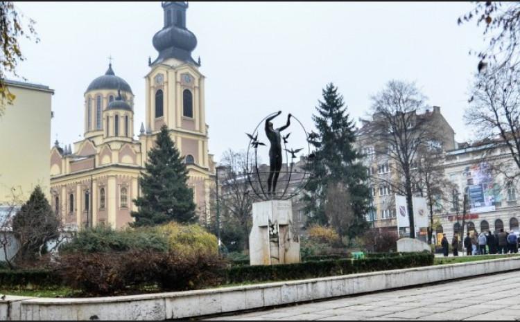 Na trgu će biti sagrađeno centralno spomen-obilježje svim poginulim braniocima od 1992-1995. godine