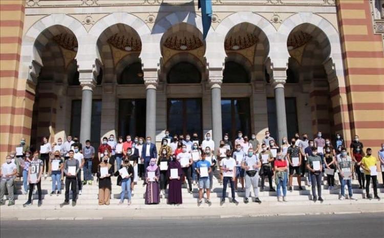 Abdulah Skaka stipendistima grada Sarajeva svečano uručio ugovore za stipendiranje