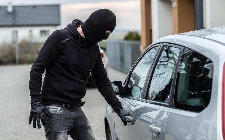 Ukrao vozilo sa parkinga