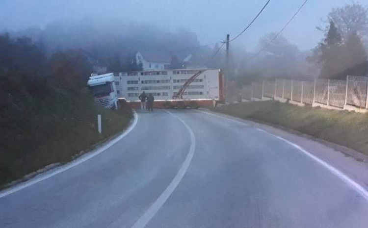 U toku izvlačenje kamiona