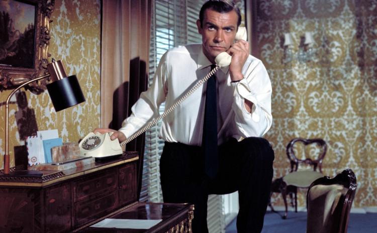Glumio je u sedam filmova o Džejmsu Bondu