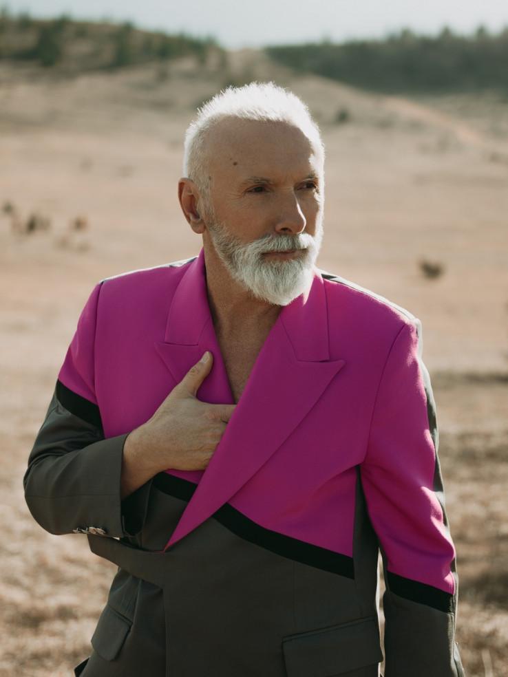 """Dino Merlin: Videospotom """"Mi"""" najavio novi album, nakon šest godina pauze"""