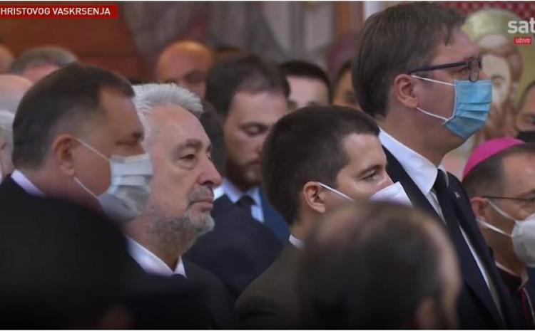 Dodik i Vučić na liturgiji
