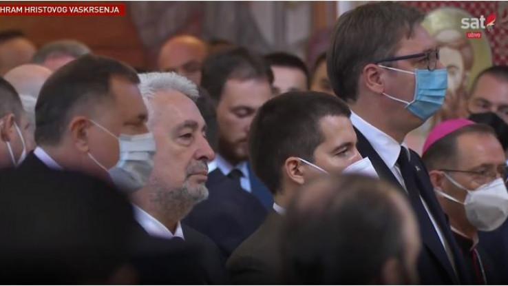 Dodik i Vučić u podgoričkom hramu