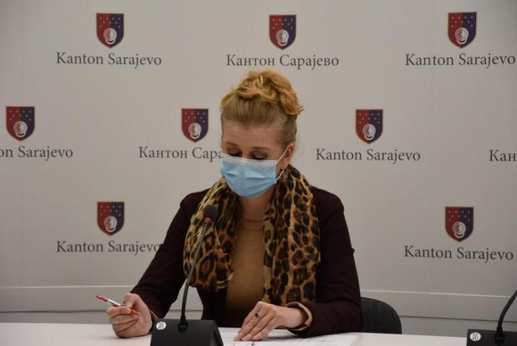 Bajramović: Građani na ulici nose maske